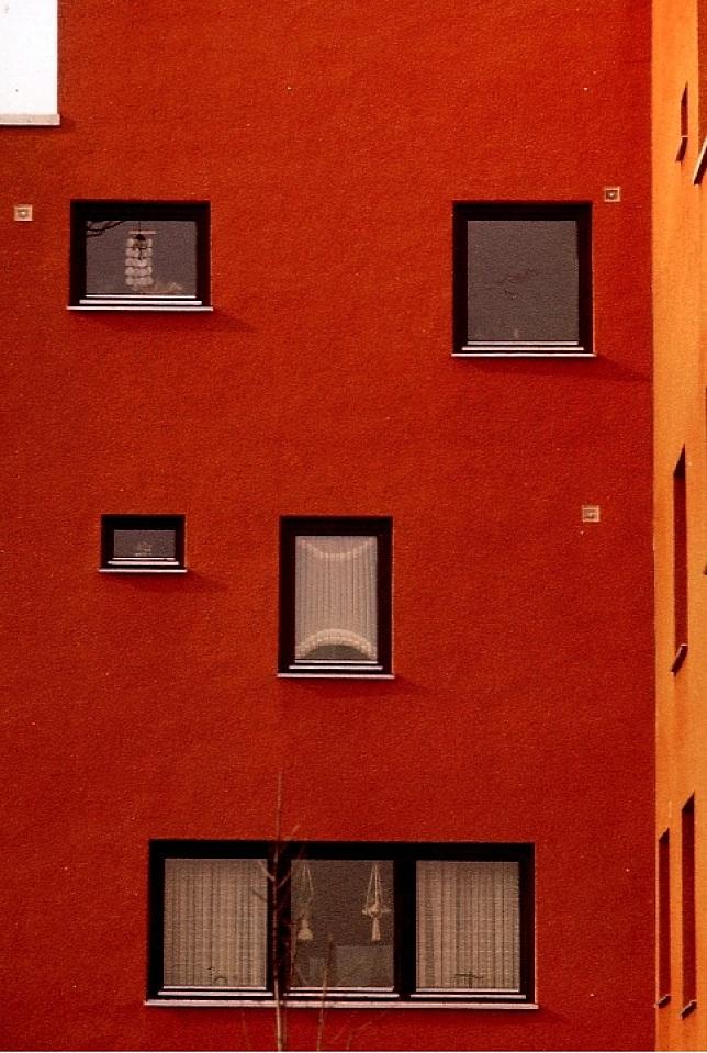 von h usern und menschen fotos von j rgen weinhold im l chower kreishaus. Black Bedroom Furniture Sets. Home Design Ideas